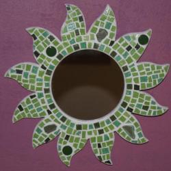 Modèle mosaique. Création mosaique artisanale. Soleils en mosaïque.Mi