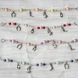 bracelet-cheval-cow-boy-avec-des-perles-en-verre-naree-bijoux-artisanaux-l-atelier-de-samantha.jpg