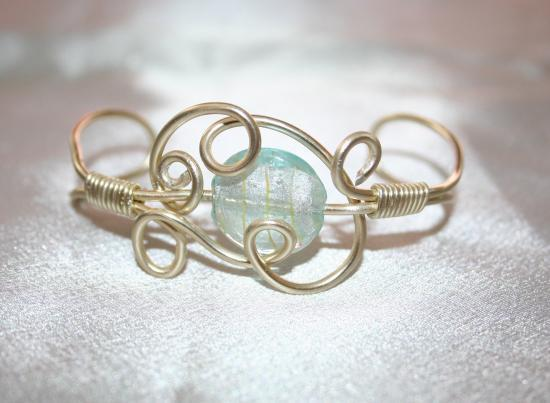 bracelet-en-fil-dalu-et-perle-murano-lampwork.jpg