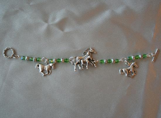 bracelet-enfant-a-breloques-en-argent-du-tibe2.jpg
