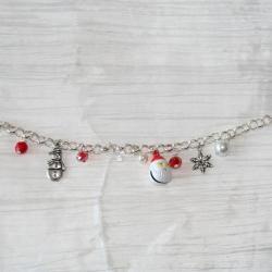 bracelet-fetes-de-noel-pere-noel-bonhomme-de-neige-avec-perles-en-verre-rouge-et-blanches-bijoux-artisanaux-l-atelier-de-samantha-3.jpg