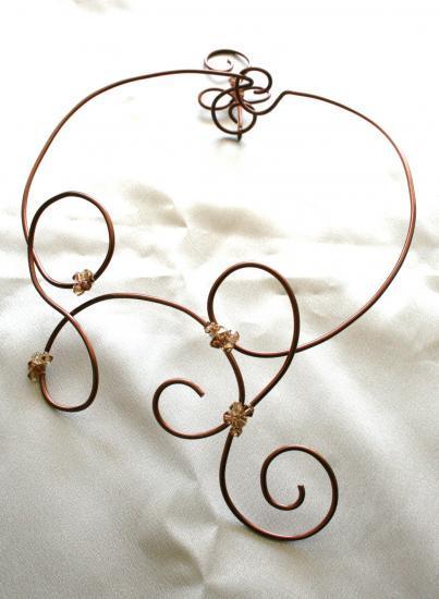 collier--bracelet-en-fil-dalu--toupies-crista.jpg