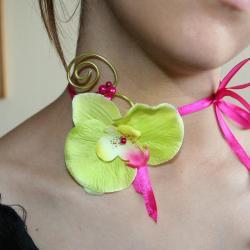 collier-bracelet-en-fil-alu-bijoux-en-fil-alu-et-orchidee-anis-fuschia-l-atelier-de-samantha-bijoux-fantaisie-collier-mariee-en-fil-alu-1.jpg