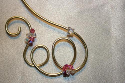 collier-de-mariage-en-fil-alu-avec-un-joli-pa1.jpg