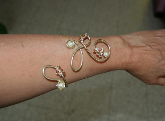 collier-de-mariee-en-fil-dalu-et-son-bracelet3.jpg