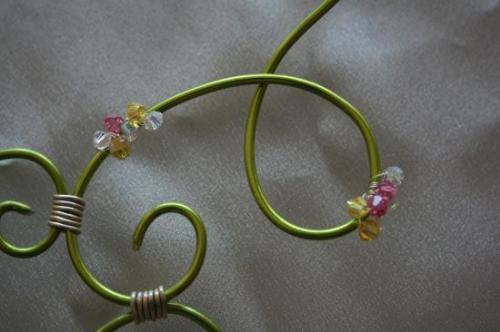 collier-de-mariee-en-fil-daluminium-et-toupie.jpg