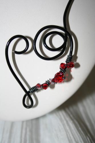 Collier fantaisie en fil alu noir avec fleur rouge coquelicot l atelier de samantha collier de mariee collier soiree 3