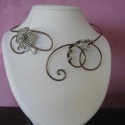 collier-fil-alu-creation-bijoux-artisanaux-l-atelier-de-samantha-collier-argent-et-fuschia-collier-chocolat-et-fleur-en-argent-1.jpg