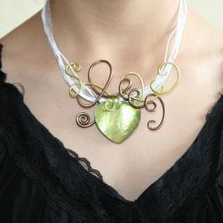 coueur-de-nacre-rehausse-de-fil-alu-l-atelier-de-samantha-bijoux-fantaisie-pendentif-fli-alu-bijoux-de-mariee-3.jpg