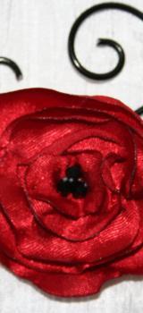 Pics a cheveux chignon pour coiffure mariee fantaisie en fil alu noir avec fleur rouge coquelicot l atelier de samantha collier de mariee collier soiree 8
