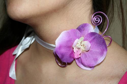 Ras de cou orchdee violette sur ruban satin l atelier de samantha creation bijoux fantaisie bijoux mariee