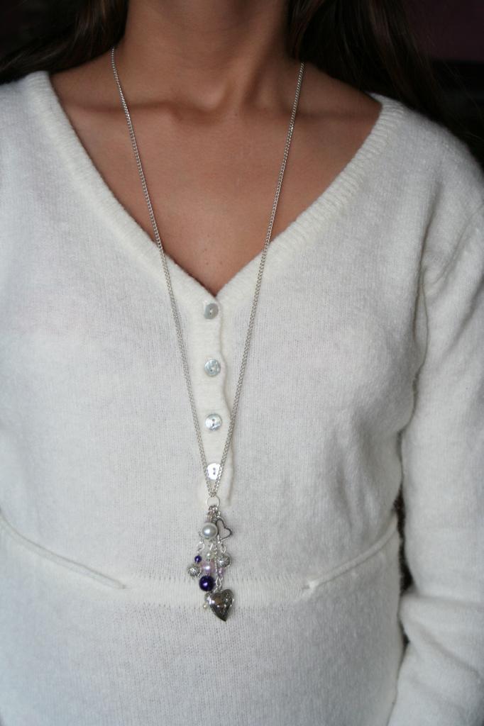 Sautoir métal et perles , création unique, sautoir fantaisie, l'atelier de samantha,création bijoux,création bijoux fantaisie,creation bijoux artisanale, breloque coeur à secret