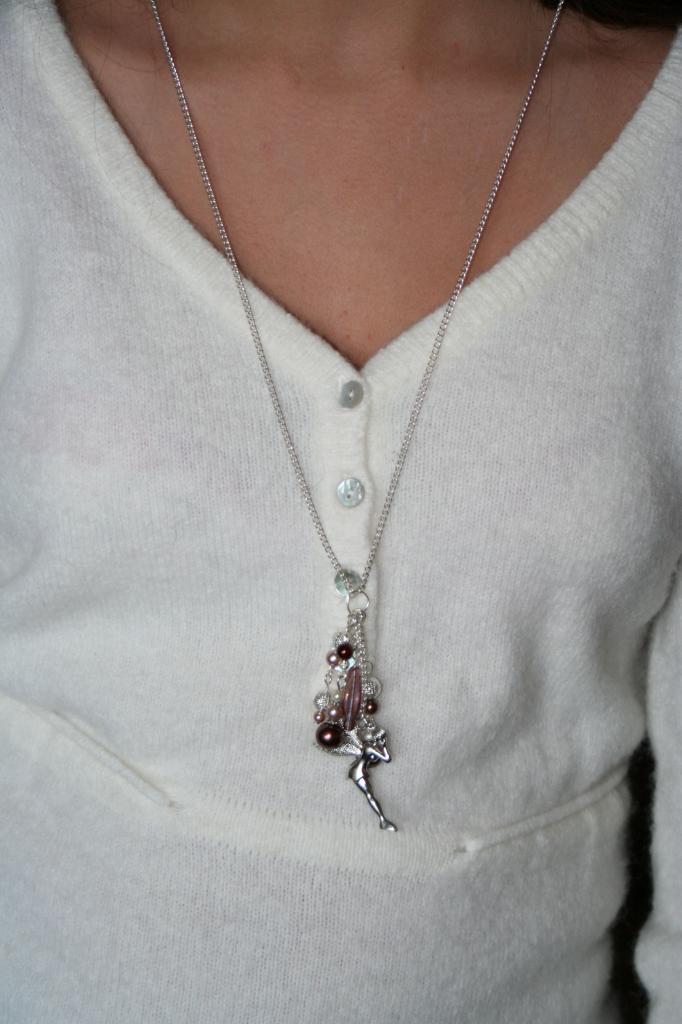 Sautoir métal et perles , création unique, sautoir fantaisie, l'atelier de samantha,création bijoux,création bijoux fantaisie,creation bijoux artisanale, breloque fée clochette