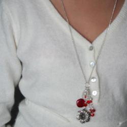 sautoir-grosse-fleur-rouge-avec-perlesrouge-unique-creation-artisanale-l-atelier-de-samantha-14.jpg